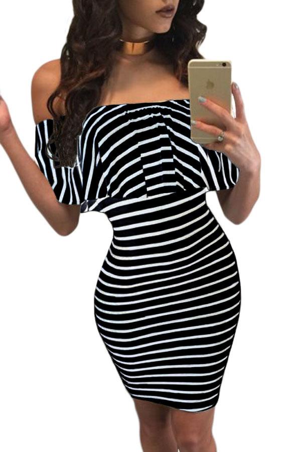 e0093b967 Elegante vestido a rayas con hombros descubiertos y rayas negras