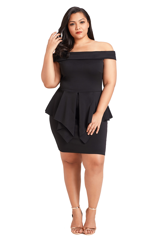 Schwarzes Plus Size - Schulterfreies Schößchen-Kleid