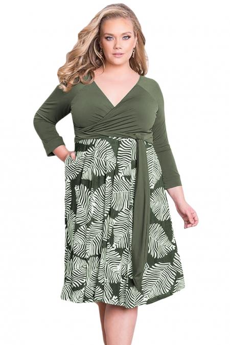 Green Plus Size 3/4 Sleeve Contrast Print Dress